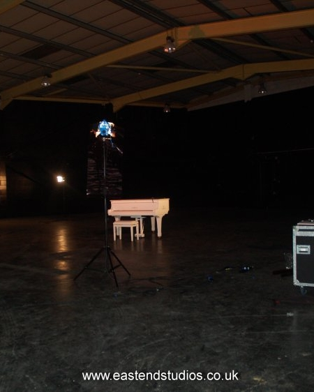 piano wide.jpg