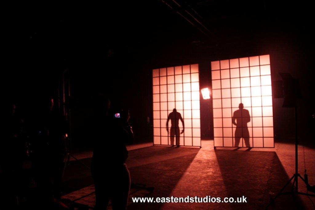 a-dancers-sillhoute-at-east-end-studios