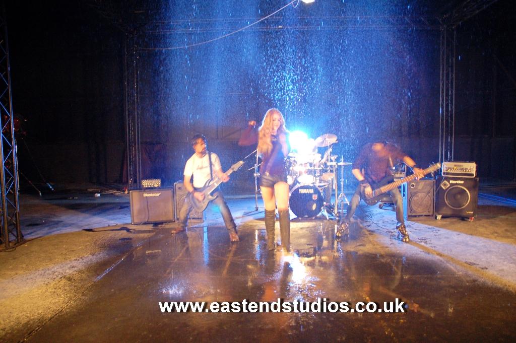 rockband-at-eefb