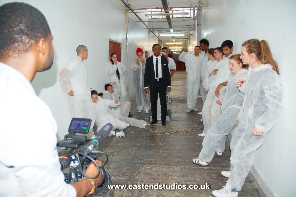 video-shoot-sceen-in-the-corridor-at-east-end-studios
